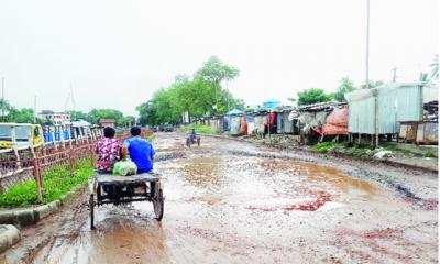 গোপালগঞ্জ-টেকেরহাট মহাসড়েকের উন্নয়ন কাজ, ভোগান্তি চরমে