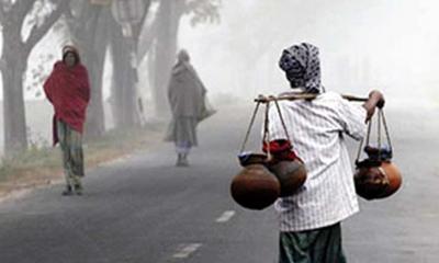 কনকনে শীতে খেজুর রস ও সুস্বাদু পিঠা গ্রামবাংলার উৎসব