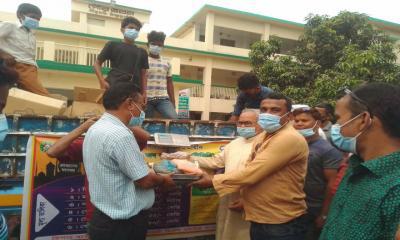 রমজান উপলক্ষে পীরগঞ্জে টিসিবি'র পণ্য বিক্রি শুরু