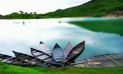 নদী ও খাল ভরাটে কুমিল্লায় হারিয়ে যাচ্ছে স্বল্প আয়ের উৎস নৌকা