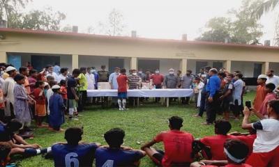 ঘোড়াঘাটে ফাইনাল ফুটবল টুর্নামেন্ট অনুষ্ঠিত