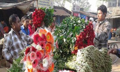 পহেলা ফাল্গুন-ভালোবাসা দিবস : জমে উঠেছে ফুলের বাজার