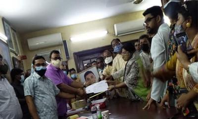 ঢাকা-১৪ উপনির্বাচন: আ. লীগের দলীয় ফরম তুললেন আসলামুল হকের স্ত্রী