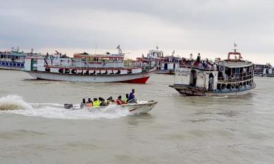 কাঁঠালবাড়ী-শিমুলিয়া রুটে নৌযান চলাচল স্বাভাবিক