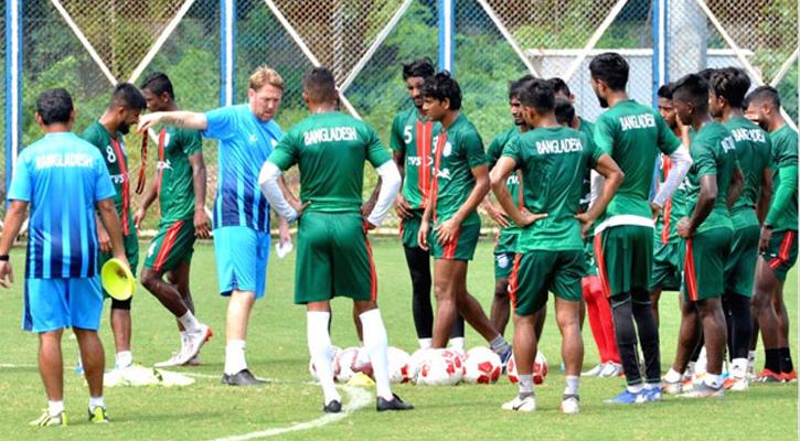 তিন জাতি টুর্নামেন্টের বাংলাদেশ ফুটবল দল ঘোষণা