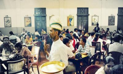 কলকাতার কফি হাউসে একটি বিকেল